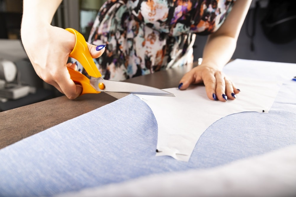 What Features To Look For In Your New Sewing Scissors